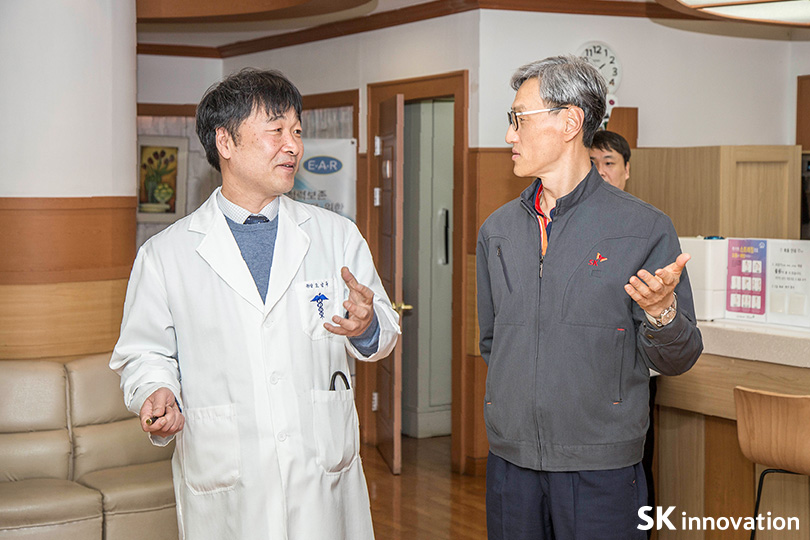 SK 울산CLX 의무실을 방문한 조경목 사장